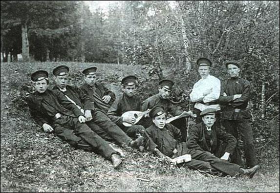 История туризма в царской России, учащиеся реального училища