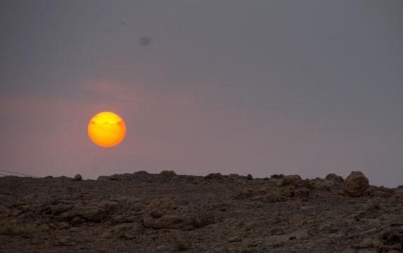 Романтическое путешествие, Оман, луна или НЛО?