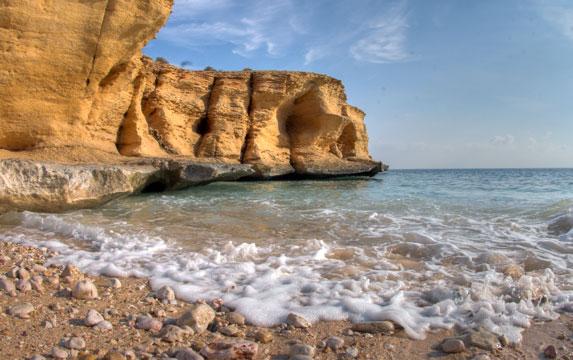 Романтическое путешествие, Оман, каменистое побережье Индийского океана