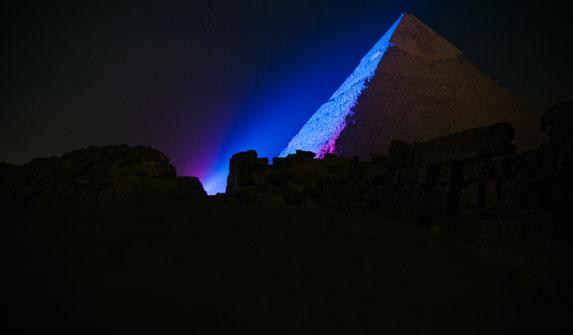 Пирамида Хеопса на плато Гиза. Лазерно-световое шоу-3.