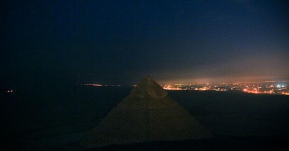 Вид с пирамиды Хеопса на плато Гиза.