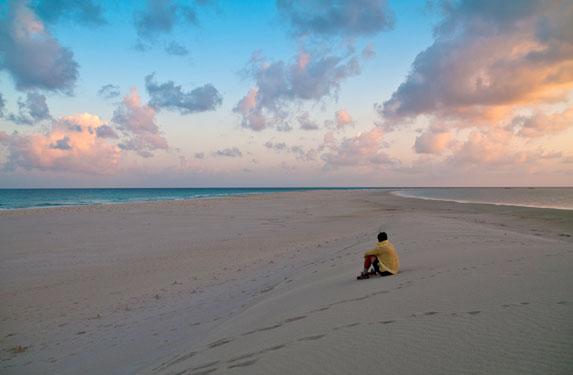Романтическое путешествие, Сокотра, вечер на белоснежном бесконечном пляже