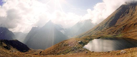 Спортивный туризм – это философия жизни, горное озеро