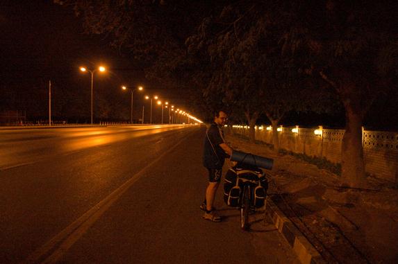 Оман, велопутешествие, ночные магистрали
