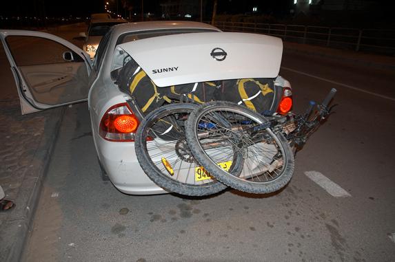 Оман, погрузка вело в машину с 3 арабами :)