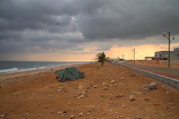 Оман, ночевка на городском пляже города Сур (Sur)