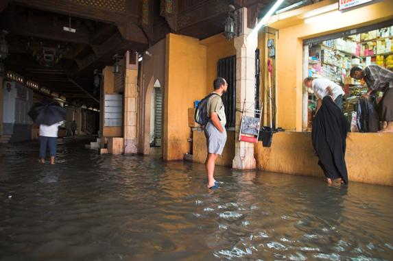 Оман, потоп в городе Маскат (Muscat) после ливней