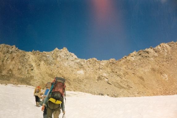 Центральный Кавказ, Подход по леднику в связках под перевал Штернберга (2А, 3900 м).
