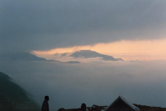 Северный Кавказ, Утро на перевале Студенческий (1Б, 3630 м).